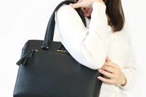 オフィスカジュアルにぴったりなバッグをご紹介-